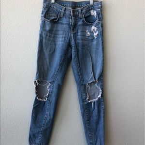 CARMAR Denim jeans! Design with rip on back!